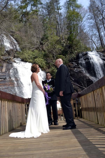 Anna Ruby Falls Waterfall Wedding Location: