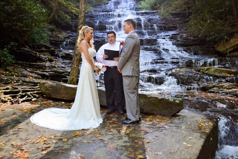 Minnehaha Falls Minnehaha Falls Waterfall Wedding Location