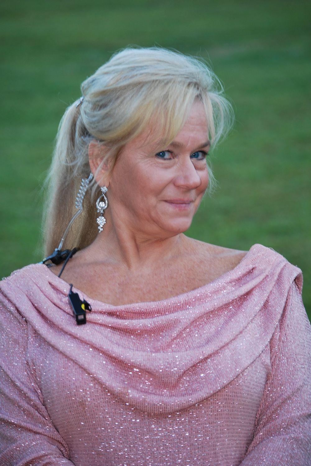 Waterfall Wedding Expert - Cyndi Durham